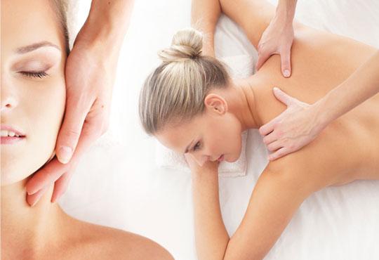 Ефективен метод за справяне с болката! 30-минутен масаж на гръб, раменен пояс и глава от студио за масажи Нели!