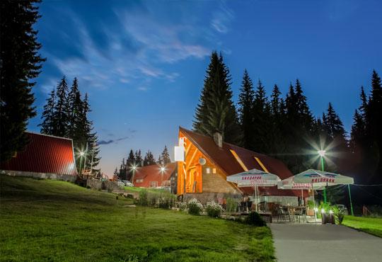 Почивка през юли и август в Пампорово, Вилно селище Малина! 2 или 3 нощувки в самостоятелна вила за двама или за трима/ четирима