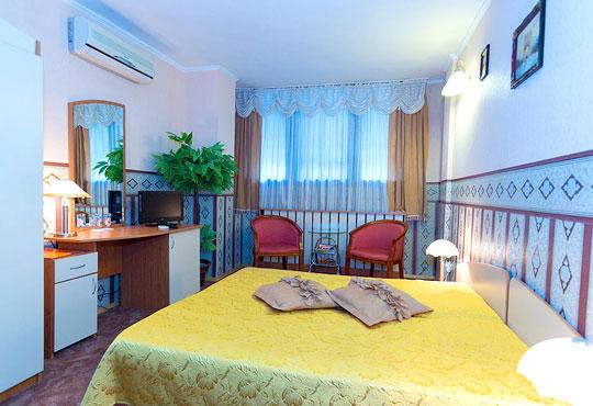 Заповядайте в хотел Йод-Даниел 3* в Пазарджик до декември! 1/2/3 нощувки в стая ''лукс'' със закуски! - Снимка 2