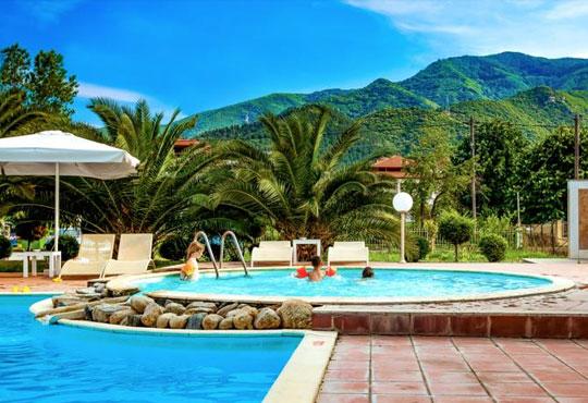 На море през септември в Гърция! 3 нощувки със закуски и вечери в Rentina Beach Hotel 2*, Ставрос , Халкидики, от ТА Ревери