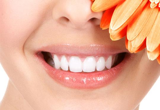 Почистване на зъбен камък с ултразвук, полиране и обстоен преглед, в клиника Рея Дентал!