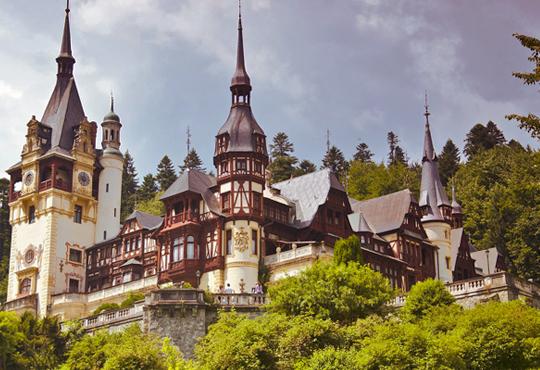 Last minute! Септемврийски празници, Румъния и замъците на Трансилвания, с Бамби М Тур! 2 нощувки със закуски в хотел 2*, транспорт и програма