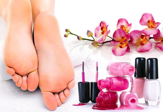 Педикюр с гел лак в цветовете на SNB, масаж на ходилата и ДВЕ декорации в Салон за красота Розмари