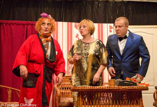 Гледайте щурата комедия Луда нощ по френски, на 03.10. от 19ч, в Театър Сълза и Смях!