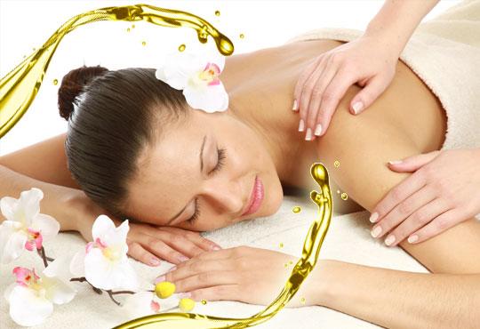 Болкоуспокояващ масаж на цяло тяло с етерични масла от алое, жасмин и макадамия в Chocolate & Beauty