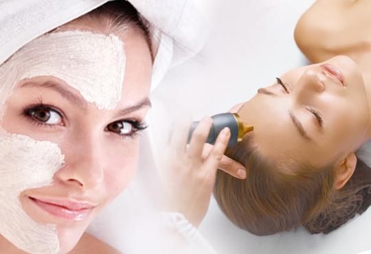 Мануално почистване на лице, пилинг, масаж и терапия с френската козметика Academie в Салон Blush Beauty