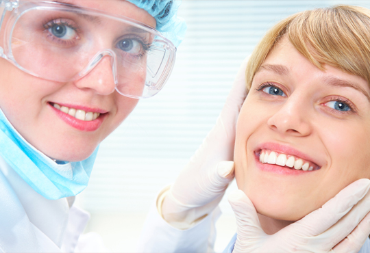 Фотополимерна пломба, преглед, план на лечение и почистване на зъбен камък в Дентален кабинет д-р Маринашева