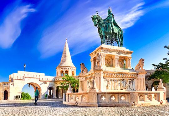 Предколедна Будапеща с Бек Райзен! 3 нощувки със закуски в хотел Будапеща 4*, транспорт и програма