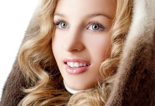 Мануално почистване на лице с медицинската козметика Glory и почистване и оформяне на вежди в Студио за красота SUNCHITA