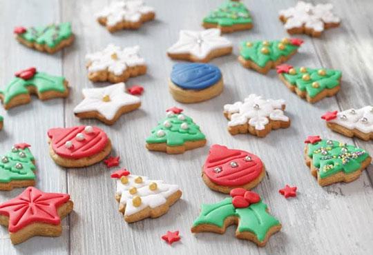 За Нова година! ЕДИН килограм ръчно декорирани бисквити от сладкарите на Muffin House!