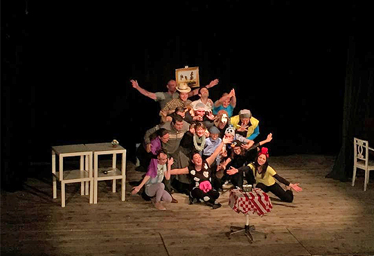 """Гледайте комедията """"Чичо Фьодор"""" по Едуард Успенски, на 09.02. или 21.02. от 19 ч.,Театър Виа Верде, на сцената на Сълза и Смях, камерна зала"""