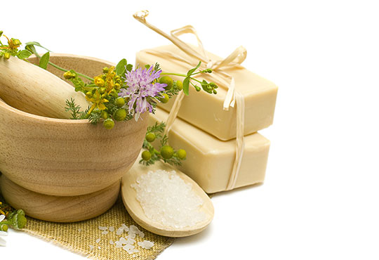 Релакс в борова инфраред сауна! Процедура сауна с билки, билков чай, релакс зона, болкоуспокояващ масаж на цяло тяло с масло от мурсалски чай, зонотерапия и топло билково килимче в Senses Massage & Recreation! - Снимка 5