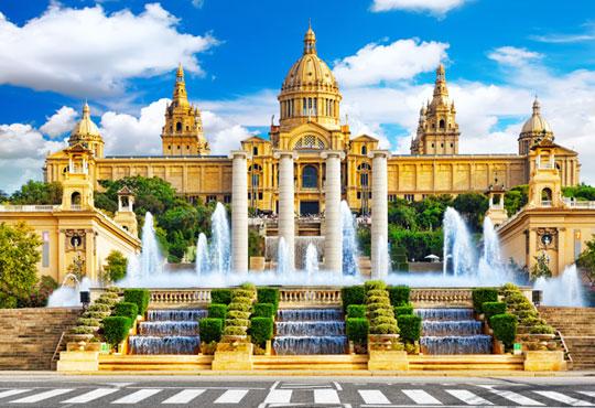 Екскурзия до Барселона през април: 3 нощувки със закуски и вечери в хотел 3*, самолетен билет и пътни такси, възможност за посещение на Монтсерат - Снимка 1