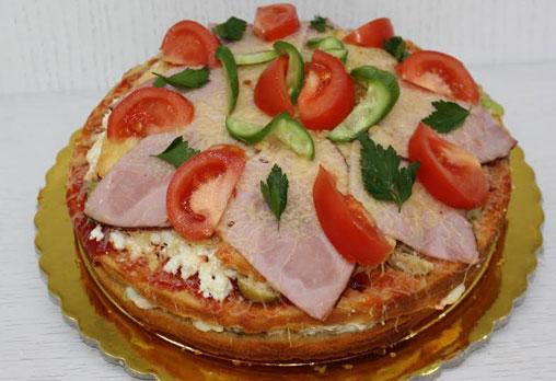Солена торта с шунка, кашкавал, маслини и зеленчуци, размер по избор, от сладкарница Сладост! - Снимка 3