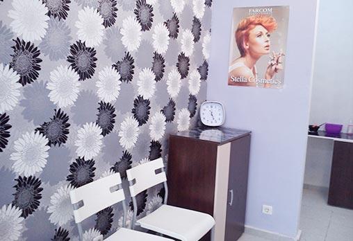 Красива коса и стилна визия! Подстригване, подхранваща терапия - ламиниране, прическа със сешоар и оформяне на маникюр в салон за красота Веслец! - Снимка 5