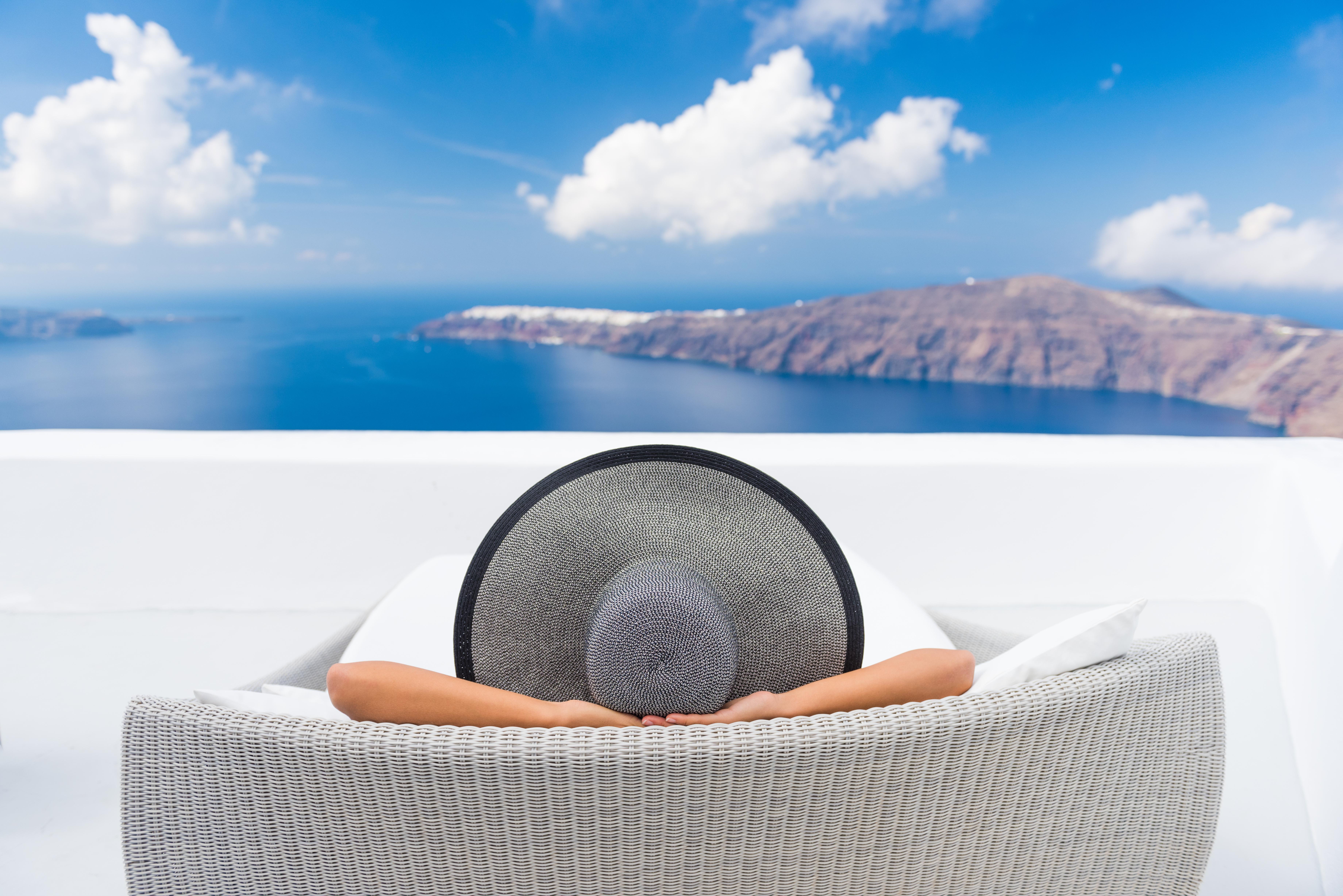 Лятна почивка на остров Санторини с България Травел! 6 нощувки със закуски в хотел 3*, транспорт и водач - Снимка