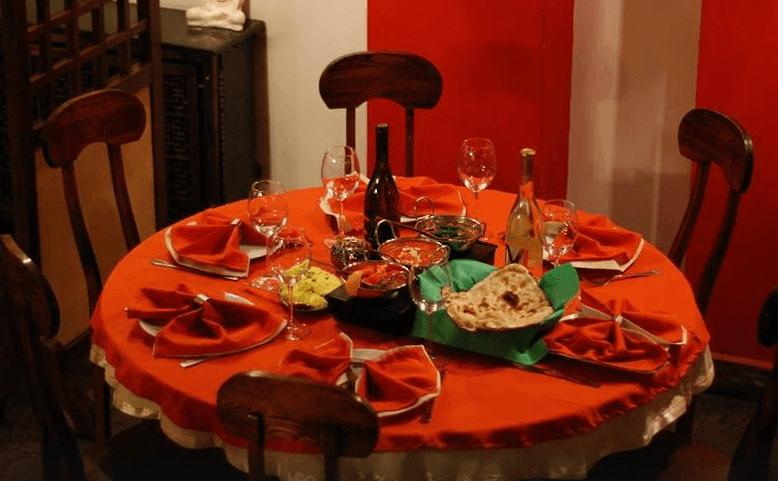 Салата и основно ястие по избор от цялото меню, чаша вино, традиционен индийски хляб и кана вода в индийски ресторант Spice House! - Снимка 6