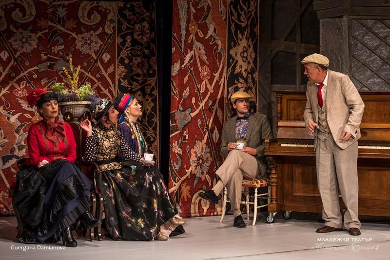 Гледайте постановката Иванов от А. П. Чехов, на 25.05. от 19ч., в Младежки театър! С награда Икар 2017 за поддържаща мъжка роля! 1 билет - Снимка 3