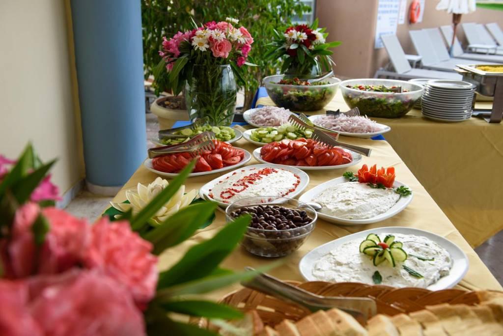 Нова година на о. Корфу, Гърция! 3 нощувки със закуски и вечери в Olympion village 3+*, транспорт, водач и посещение на двореца Ахилион! - thumb 12