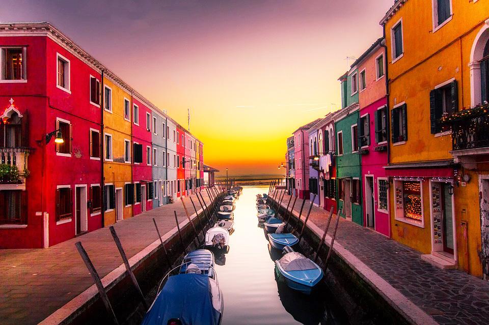 Екскурзия през ноември или декември до Верона, Венеция и Загреб, с възможност за шопинг в Милано! 3 нощувки и закуски, транспорт и водач! - Снимка