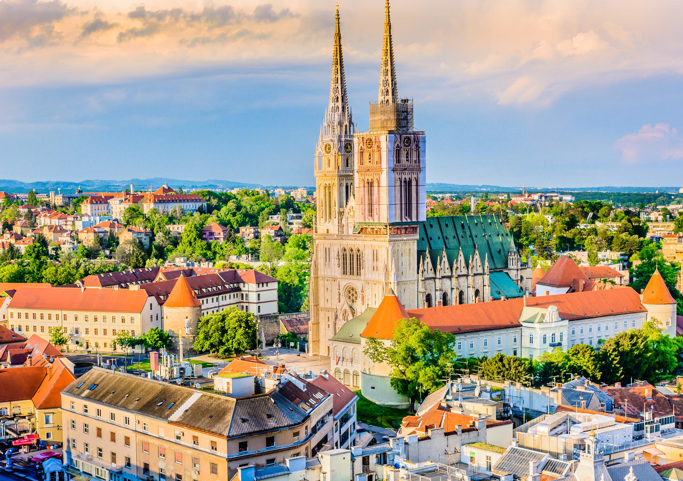 Ранни записвания за екскурзия през 2019-та до Италия и Хърватия! 3 нощувки със закуски в Загреб и Верона, транспорт и възможност за посещение на Милано! - Снимка