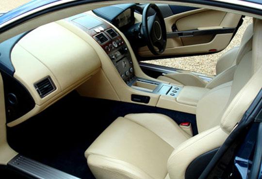 Цялостно вътрешно почистване + сухо пране на седалки на автомобил или джип, с торнадор и препарат на Good Stuff или Wolf's в pH neutral wash! - Снимка