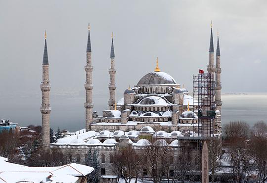 Зимна оферта за Истанбул и Одрин от В. Търново, Казанлък, Ст. Загора и Русе, с Караджъ Турс! 2 нощувки със закуски в хотел 2*/ 3*, транспорт, тур в Истанбул и бонуси - Снимка