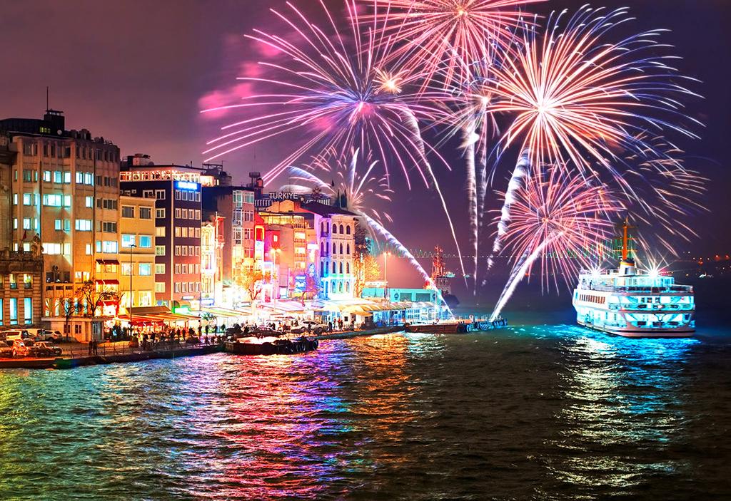 Last minute! Нова година в Истанбул, с ТА АПОЛО! 3 нощувки със закуски в Hotel Sogut 3*, пешеходна обиколка в Истанбул! - Снимка