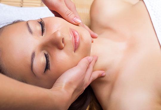 Дълбоко почистване на лице, масаж и терапия с ампула, нанесена с ултразвук, според типа кожа в салон за красота Golden Angel! - Снимка 3