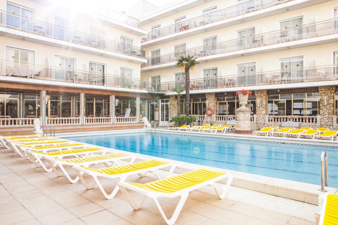 Ранни записвания за почивка в Малграт де Мар, Испания! 7 нощувки със закуски и вечери в хотел 3*, самолетен билет, летищни такси, трансфери - Снимка 8