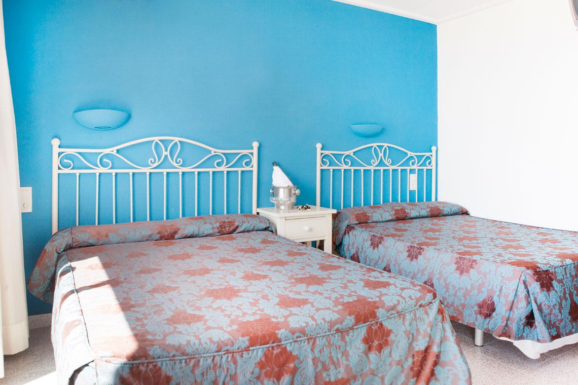 Рании записвания за почивка в Малграт де Мар, Испания! 5 нощувки със закуски и вечери в хотел 3*, самолетен билет, летищни такси, трансфери - Снимка 3