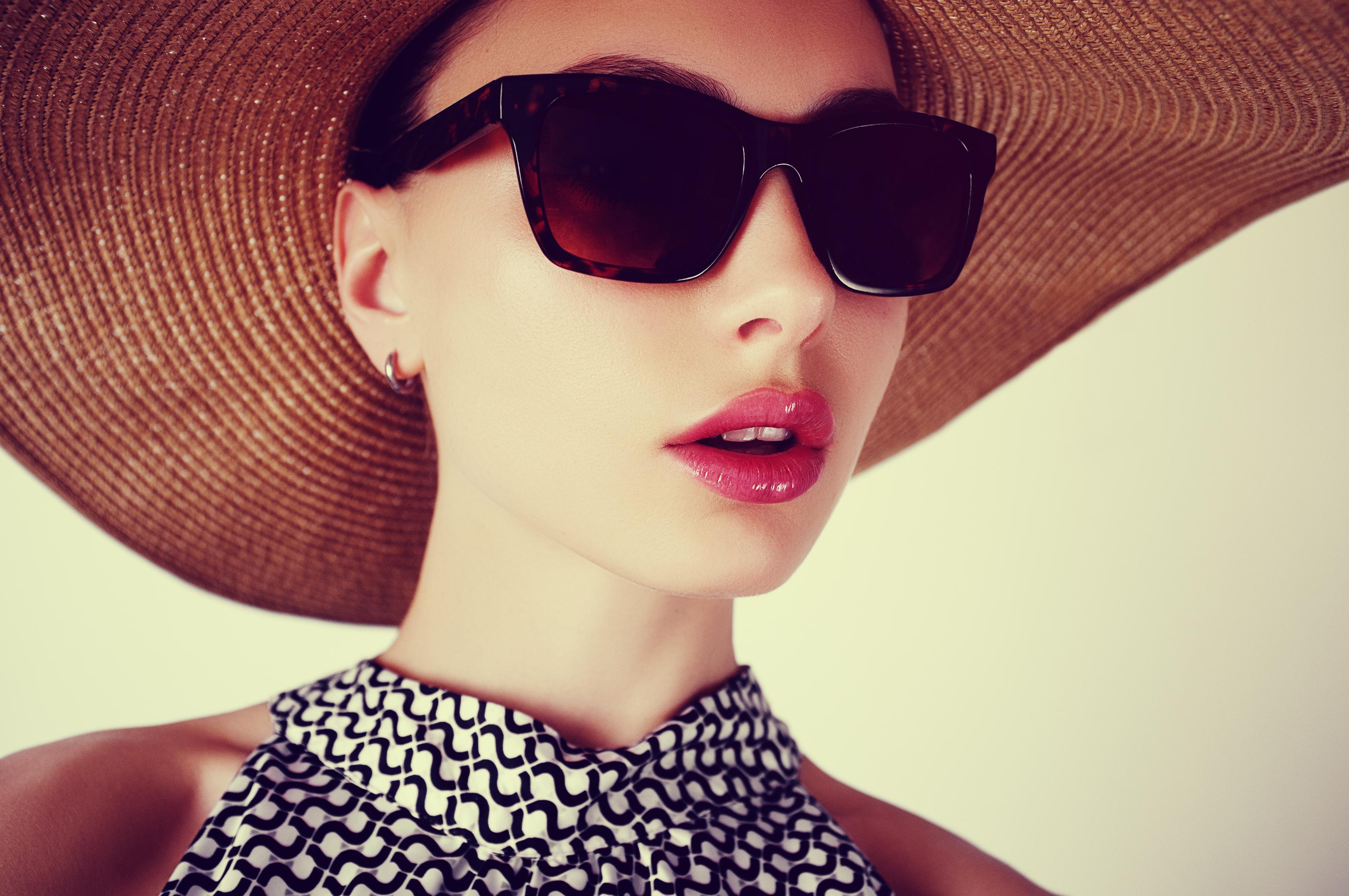 Еднодневен курс с теория и практика по ултразвуково уголемяване на устни и попълване на бръчки в NSB Beauty Center! - Снимка