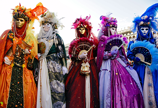 Посетете приказния Карнавал във Венеция през февруари! 3 нощувки със закуски в хотел 3* в Лидо ди Йезоло, транспорт и възможност за посещение на Верона и Падуа! - Снимка